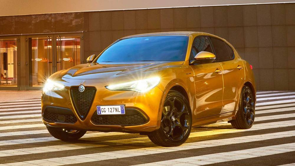 Alfa Romeo Stelvio GT Junior szemből